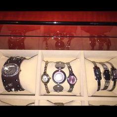 Watches (Bundle) 4 Fossil Watches, 2 Quartz Watches (new), 1 Liz Claiborne (new). Adjustable sizes.  Good condition! Fossil Accessories Watches
