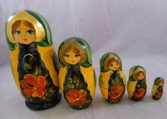 "Vintage 5 pc Matryoshka Russian Nesting Dolls Hand Painted Signed Artist 4"" tall"
