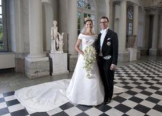Prinzessin Victoria von Schweden an ihrer Hochzeit in einem Kleid des schwedischen Designers Pär Engsheden