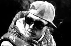 Doddy+feat.+Shift+-+Figura+(single+nou+si+videoclip) Winter Hats, Video Clip