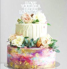 Gorgeous cake by @hellosukar