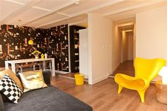 Rembrandt square Apartment C.  Overlooking the pulsating nightlife of popular Rembrandt Square, or Rembrandtplein, Rembrandt Square Apartment C has everything necessary for an enjoyable stay in Amsterdam.