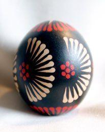 Easter Crafts, Crafts For Kids, Easter Egg Pattern, Easter Egg Designs, Egg Drop, Ukrainian Easter Eggs, Egg Decorating, Favorite Holiday, Christmas Ornaments