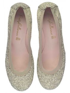 Pretty Ballerinas - Shirley Faragher Lemieux Passfield what do you think? Ballerina Flats, Ballet Flats, Oxfords, Pretty Ballerinas, Pretty Shoes, Pumps, Heels, Boutique, Girly Things