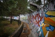 Abandoned Venues From The 1984 Winter Olympics - Sarajevo Olympic Bobsleigh and Luge Track Abandoned Buildings, Abandoned Malls, Abandoned Places, Abandoned Mansions, Haunted Pictures, Haunted Images, 1984 Winter Olympics, 1984 Olympics, Bobsleigh