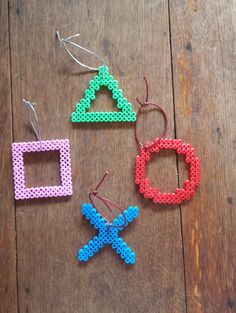 Playstation Button Christmas Tree Decorations set of por Harribeads