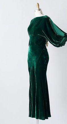 1930s Evening dress green velvet.