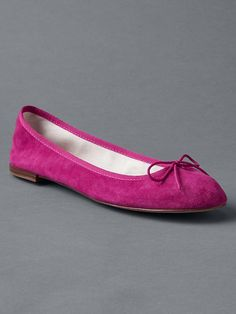 Shop Gap's Cinch ballet flats: Rich suede in a range of pretty colors. The bows can be adjusted for a perfect fit. Baby Kids Clothes, Clothes For Women, Stylish Shoes For Women, Spring Maternity, Gap Women, Ballet Flats, My Style, Amen Ra, Ballerinas