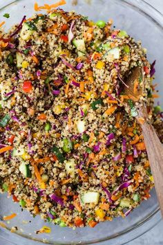 Gluten Free Crunchy Thai Quinoa Salad is loaded with veggies then tossed wi This Gluten Free Crunchy Thai Quinoa Salad is loaded with veggies then tossed wi. -This Gluten Free Crunchy Thai Quinoa Salad is loaded with veggies then tossed wi. Clean Eating Snacks, Healthy Snacks, Healthy Eating, Vegetarian Recipes, Cooking Recipes, Healthy Recipes, Healthy Quinoa Recipes, Qinuoa Recipes, Cooking Tips