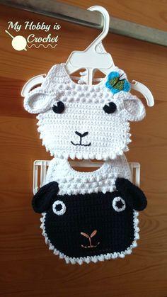 Crochet Baby Mittens - Little Lamb Baby Bib - Free Crochet Pattern Crochet Baby Bibs, Crochet Gratis, Crochet Baby Clothes, Love Crochet, Crochet For Kids, Baby Knitting, Diy Crochet, Crochet Flowers, Baby Patterns