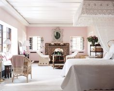 The pale pink Marrakech bedroom of Marella Agnelli combines Morrocan…