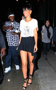 Rihanna - Blade - Out & About NYC