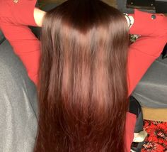 VIDEO - Red - RealRapunzels Really Long Hair, Long Red Hair, Super Long Hair, Long Hair Ponytail, Ponytail Hairstyles, Cool Hairstyles, Hair Again, Hair Buns, Hair Flip