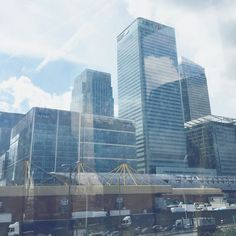 Looking good Canary Wharf  by charlielunabarker