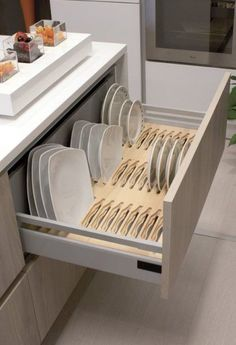 13 DIY Ideas for Kitchen Storage – diy kitchen decor ideas Kitchen Design Small, Diy Kitchen Storage, Kitchen Design Showrooms, Home Decor Kitchen, Kitchen Room Design, Interior Design Kitchen, Pantry Design, Kitchen Furniture Design, Modern Kitchen Design
