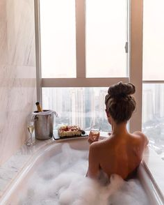 girl, bath, and relax image Spa Day, Bath Time, Luxury Lifestyle, Rich Lifestyle, Lifestyle Fashion, Millionaire Lifestyle, No Time For Me, Life Is Good, Bubbles