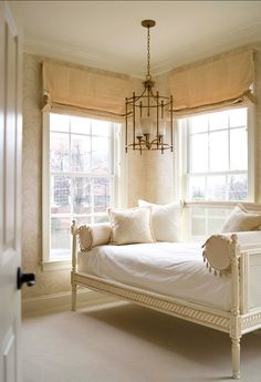 "#Interiors This room should get an award for the ""prettiest"" room on the net. Let's start a campaign on Pinterest.  :-) #Bedroom"