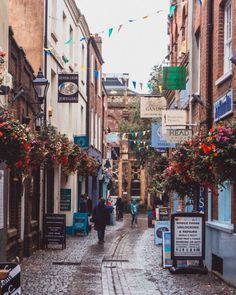 Gandy Street: The Little Exeter Road That Time Forgot – 2020 World Travel Populler Travel Country Devon England, Devon Uk, Beautiful Roads, Into The West, Cathedral City, Memorial Museum, Great Britain, Road Trip, Places To Visit