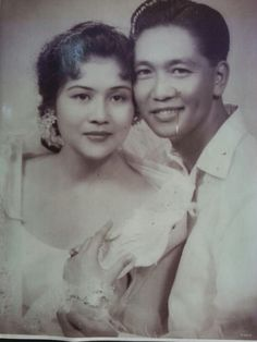 I do love the old portrait of Late Pres. Ferdinand Marcos and his wife Imelda Marcos. Philippines Culture, Manila Philippines, Ferdinand, People Power Revolution, President Of The Philippines, Filipiniana Dress, Filipino Culture, Old Portraits, National History
