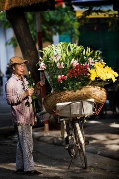 Flower seller ~ Vietnam