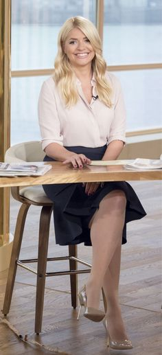 Pantyhose Catalog - The Source of Pantyhose Lovely Legs, Nice Legs, Holly Willoughby Legs, Curvy Women Outfits, Sexy Outfits, Nylons And Pantyhose, Sexy Legs And Heels, Sexy Women, Celebs