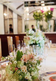 初夏の装花 シェ松尾松濤レストラン様へ 草花とすずらんと芍薬と 5月の美しい光に