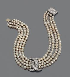 Fulco di Verdura Pearl A Diamond Necklace Pearl Necklace Designs, Pearl And Diamond Necklace, Pearl Jewelry, Bridal Jewelry, Antique Jewelry, Gold Jewelry, Vintage Jewelry, Fine Jewelry, India Jewelry