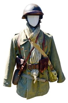Ww2 Uniforms, Military Uniforms, Military Gear, Military History, French Armed Forces, Uniform Insignia, Ww1 Art, Army Uniform, French Army