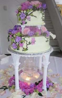 Charming Y Wedding Cake Toppers Thick 50th Wedding Anniversary Cake Ideas Clean Alternative Wedding Cakes Funny Cake Toppers Wedding Young Wedding Cake With Red Roses BrightLas Vegas Wedding Cakes Wedding Cakes With Fountains | Original Embed | Wedding Ideas ..