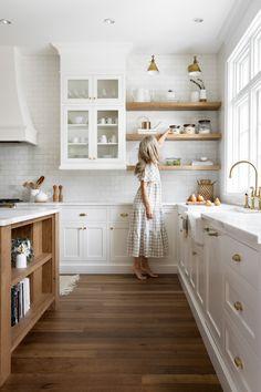 Kitchen Room Design, Cozy Kitchen, Modern Kitchen Design, Home Decor Kitchen, Interior Design Kitchen, Home Kitchens, Farm House Kitchen Ideas, White Kitchen Designs, Open Shelf Kitchen