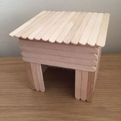 Hamsters need a lot of enrichment. Here you can get creative and make a variety of different toys and decorations. Diy Hamster House, Hamster Bin Cage, Diy Guinea Pig Cage, Hamster Care, Pet Guinea Pigs, Baby Hamster, Hamster Diys, Hamster Stuff, Diy Guinea Pig Toys
