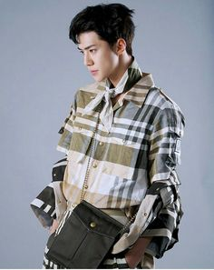 ImageFind images and videos about kpop, exo and sehun on We Heart It - the app to get lost in what you love. Kyungsoo, Hunhan, Chanyeol, Sehun Hot, Kokobop Exo, Exo Ot12, Vogue Korea, K Pop, Rapper