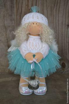 ''Angel''. (By Elena Korunova). Pretty Dolls, Cute Dolls, Beautiful Dolls, Plush Dolls, Doll Toys, Diy Doll Pattern, Raggy Dolls, Sewing Dolls, Little Doll