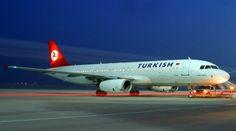 Türk Hava Yolları'nın İstanbul-Adana seferini yapan uçak, Cumhurbaşkanı Erdoğan'ın Adana'da olması nedeniyle Kayseri'ye indirildi.