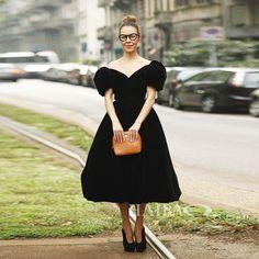 High Quality 2017 Europe Style Autumn Winter Dresses Women Vintage Slash Neck Slim Short Sleeve Sexy Black Long Velvet Dress