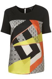 Love the geometric shapes on this top :)