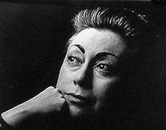 Recordamos en el aniversario de su muerte a una de las más grandes escritoras del siglo XX, Rosario Castellanos