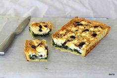 Olive, Spinach and Pinenut tart pieces Lunch Recipes, Delicious Recipes, Yummy Food, New Zealand Food, Savoury Pies, Recipe Link, Kiwi, Pretty Nails, Tarts
