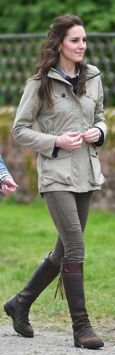 Kate Middleton in Jacket – Troy LondonShirt – GapEarrings – Kiki McDonoughPants – ZaraShoes – Penelope Chilvers