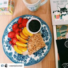 Pretty as a picture!  #Repost @veerestored with repostapp  Fresh start today  peaches strawberries pancake an Alpro soya yoghurt (2 or 2.5 syns) and a cuppa! Loved this breakfast!