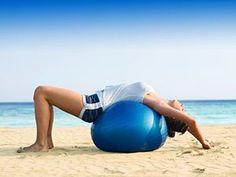 Sitzball Übungen - flacher Bauch