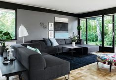 The modern living room is one of the busiest spots in the house. It is where family and friends alike […] Modern Master Bedroom, Living Room Modern, Home And Living, Living Room Designs, Living Room Decor, Villa, Mid-century Modern, Mediterranean Style Homes, Art Deco Home