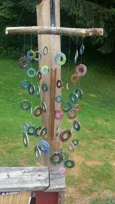 Wonderfully Charming and Magical Wind chimes Ideas to Add a Melody to the Wind Looking for the cutest and the best wind chimes for your nest? We have collected you all the internet-loved wind chimes to accessorize your home with. Diy Projects To Try, Crafts To Do, Easy Crafts, Arts And Crafts, Metal Projects, Upcycled Crafts, Art Projects, Outdoor Crafts, Outdoor Art