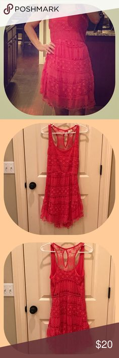 Daytrip Hot Pink Lace Dress Daytrip Hot Pink Lace dress.  The size tag has been cut out, but I am certain it is a medium.  Very fun dress for the summer. Price is always negotiable 😊 Daytrip Dresses