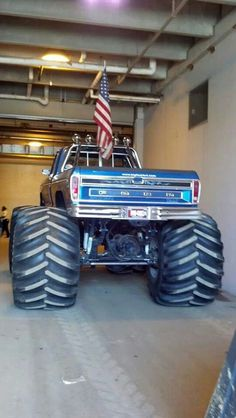 ford lifted truck blue