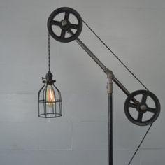Industrial Floor lamp - Floor Light - Pulley Light - Pipe Furniture - Pipe Lighting - Industrial Lamp - Industrial Chic