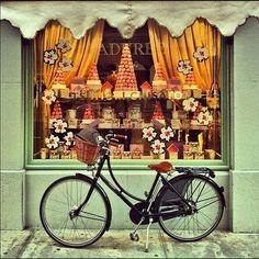 Vintage Storefronts | Vintage & Indie Laduree Storefront Paris | I n s p i r e M e