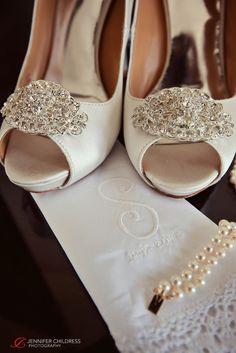 Jennifer Childress Photography | Wedding | Atrium at the Curtis Center | Philadelphia, PA | Loews Hotel | Cescaphe Events Group | Beautiful Blooms | Cheekadee | Wedding Shoes www.jennchildress.com