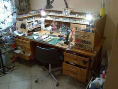 Hobby Into Business Hobby Electronics Store, Painting Station, Hobby Desk, Diy Workbench, Folding Workbench, Industrial Workbench, Model Hobbies, Leather Workshop, Model Building