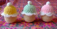Il blog di Laura: Cupcakes amigurumi con sorpresa